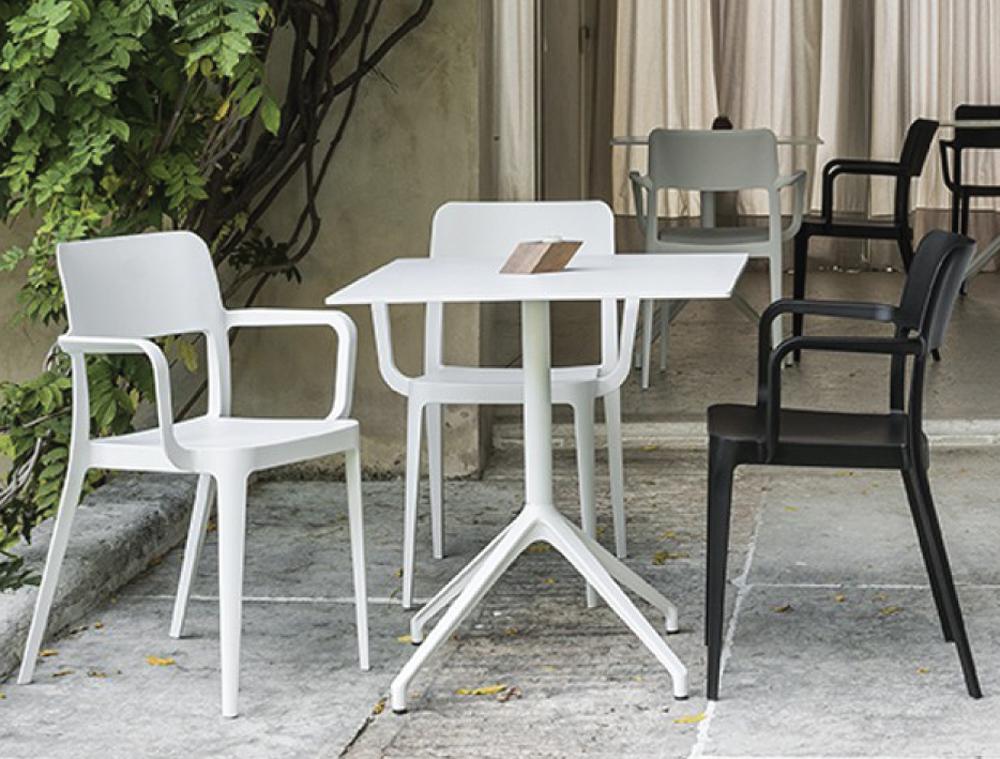 MIDJ Main Bistro Table 02