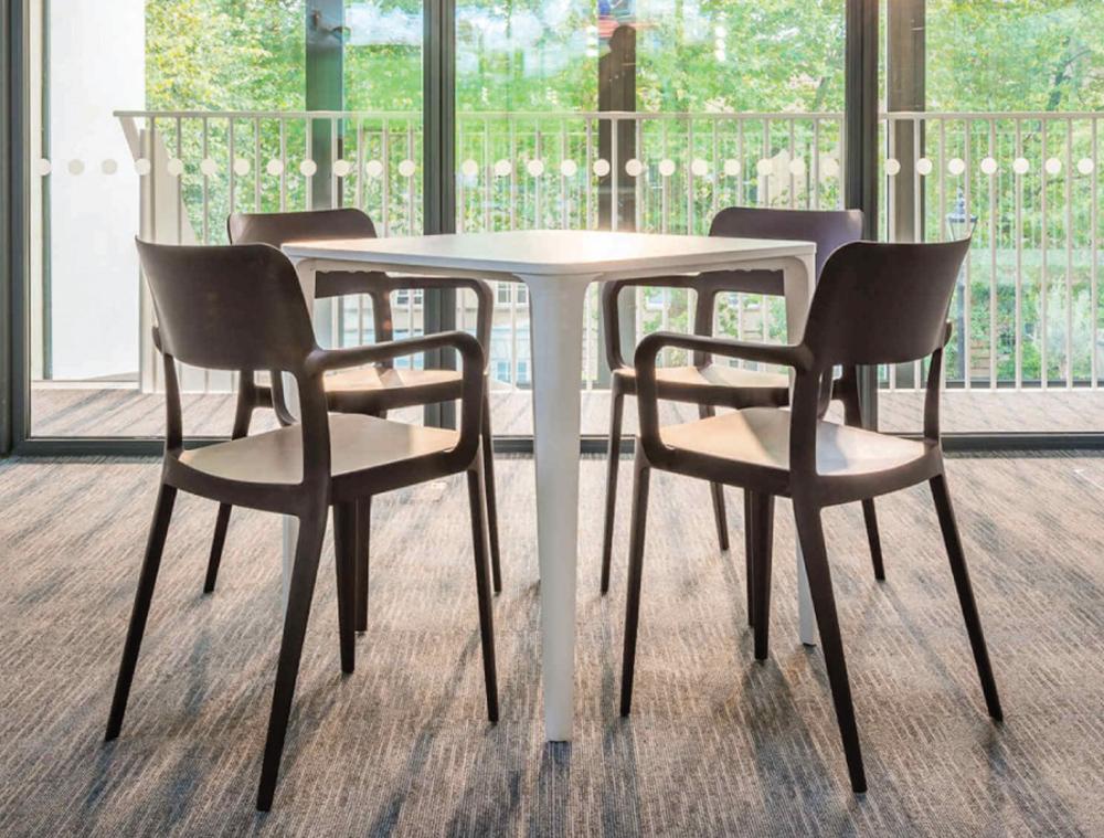 MIDJ Main Bistro Table 03